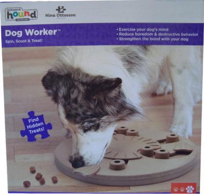 Nina Ottosson dog worker puzzel doos voorkant