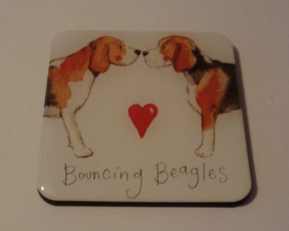 Koelkastmagneet bouncing beagles Alex Clark 6x6