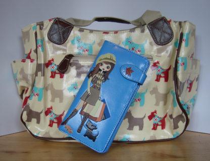 Beige handtas blauwe portemonnee shopping girl 1